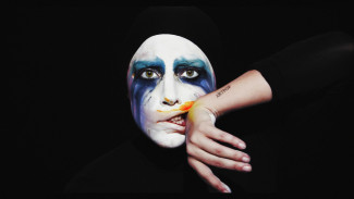 ladygaga_applause_video