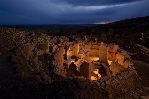 gobekli tepe in night